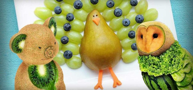 FOOD ART: 19 AMAZING Shaped Animals Made From Fruit