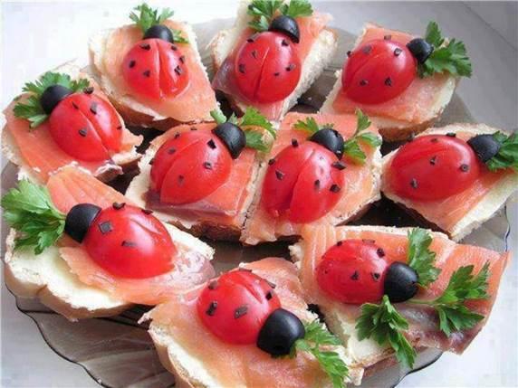 ladybug_tomatoes_cc4