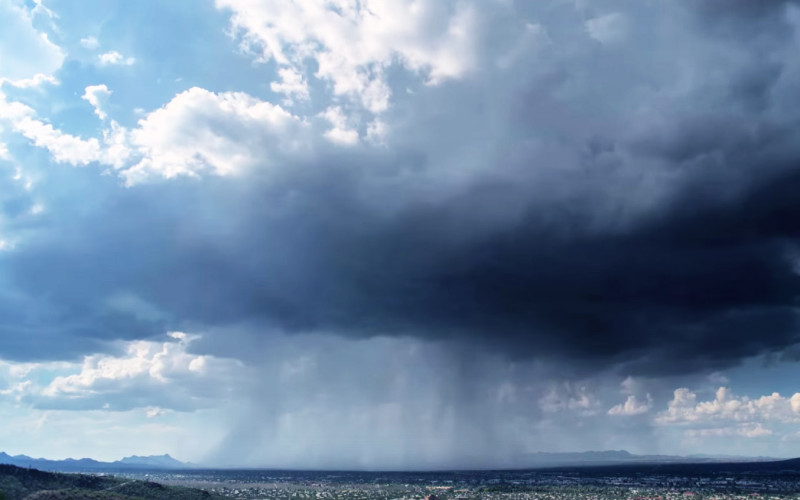 Rare 'Wet Microburst' Caught on Camera in Stunning Time-lapse Photography!