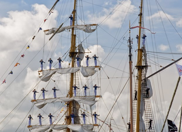 sails of ships